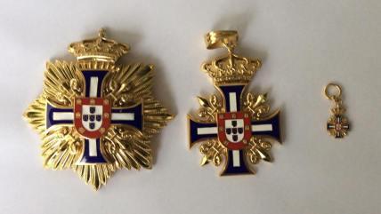 Insígnia de cavaleiro não hereditária da casa real de Bragança de Portugal