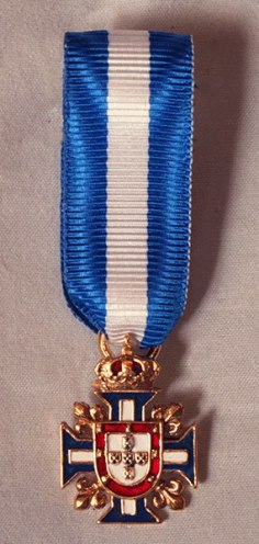 Portuguese Knight of the Royal House miniature medal